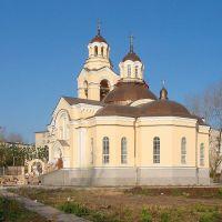 Церковь в Кировграде. 2005 г, Кировград