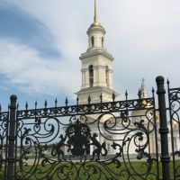 Литая ограда у Невьянского храма, Невьянск