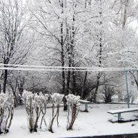 ервомайская пурга. Белый двор на Советской. Snowstorm on May 1, 2009. White yard at Sovetskaya str., Первоуральск
