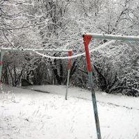 Первомайская пурга. Налипание мокрого снега на бельевые веревки. Snowstorm on May 1, 2009. Wet snow on the rope, Первоуральск