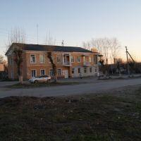 Город Среднеуральск. Перекрёсток улиц Калинина и Ленина. май 2014 года, Среднеуральск