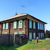 Туринск. Деревянная двухэтажка., Туринск