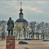 Вязьма. Ленин и Рождественская церковь, Вязьма
