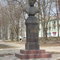 Памятник адмиралу П.С. Нахимову, Вязьма