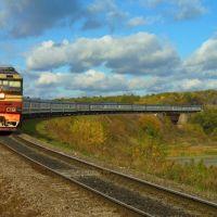 Пассажирский поезд на мосту через реку Битюг, с. Мордово, Мордово