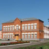 Staroyurevo. School building. Школа в районном центре Староюрьево., Староюрьево