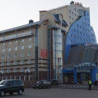 ул.Карла Маркса: бизнес-центр и гостиница Галерея; 17.10.2011, Тамбов