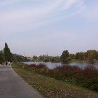 Дорожка на берегу Цны и церковь. 23-09-2004, Тамбов