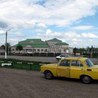 Здание школы у автовокзала. Bazarnyye Mataki, Tatarstan (Russia), Базарные Матаки