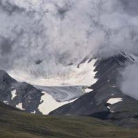 ледник Мугур Западный, Тээли