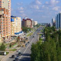 Вид на улицу 60 лет Октября с колеса обозрения, Нижневартовск