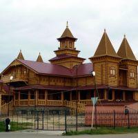 Тобольск. Деревянное зодчество, ресторан будущий., Тобольск