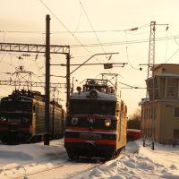 Электровозы ВЛ11М-231 и ВЛ60К-2528 в восточном парке, Балезино