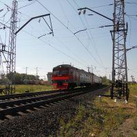 Электропоезд постоянного тока ЭД2Т-0032 Пермь-2-Балезино прибывает на станцию Балезино, Балезино