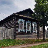 На ул. 1-го Мая (бывший Оханский переулок), Воткинск