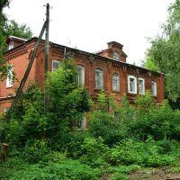 Старое здание во дворах на ул. Первомайской, Глазов