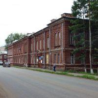 Бывшая женская гимназия на ул. Кирова (бывш. Вятская), Глазов