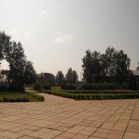 Площадь у библиотеки, Юкаменское