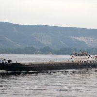 """Сухогруз """"Нальчик"""" следует вверх / Dry-cargo ship """"Nalchik"""" is sailing up the Volga river (05/08/2007), Новая Малыкла"""