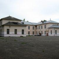 Средняя школа № 1. Вид со спортивной площадки, Вяземский
