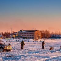 Рыбаки на реке Кухтуй, Охотск