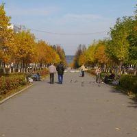 Вид на бульвар Свердлова и озеро Синара с площади Ленина / View of Sverdlov boulevard and the lake Sinara from Lenin square (05/10/2007), Снежинск