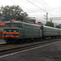 Укороченный электровоз ВЛ-10 на станции Миасс — старый вокзал / Modified Locomotive VL-10 at Miass Stary Vokzal railway station, Бреды