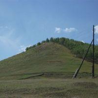 Сопка, за ней пожарная часть, Петровск-Забайкальский