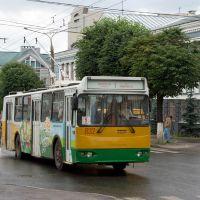 Троллейбус ЗиУ-682Г016(012)П №832 на улице Карла Маркса в районе улицы Дзержинского / The trolleybus ZiU-682G016(012)P #832 is driving along the Karl Markss street around the Dzerzhinskys street (03/07/2008), Чебоксары