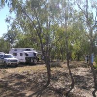 Camping at Broadwater, Muttaburra, Бундаберг