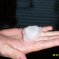 Huge hail stone from the storm, Gladstone, Гладстон