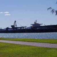View of Coal Port from Spinnaker Park, Gladstone, Гладстон