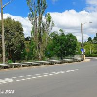 the road bridge over the Main Northern Railway, Armidale, NSW. Feb 2014., Армидейл