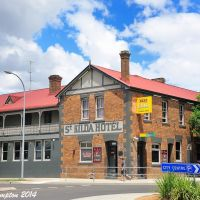 one of several hotels in the city of Armidale, the St. Kilda Hotel. Feb 2014, Армидейл