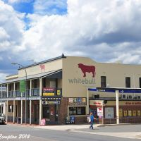 The Whitebull Hotel, Armidale, Feb 2014., Армидейл