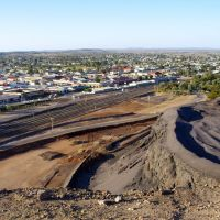 Mullock Heap meets the city: Broken Hill, Брокен-Хилл