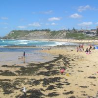 Newcastle Baths Wading Pool, Newcastle Beach and cliffs at King Edward Park, Ньюкастл