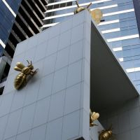 Queen Bee by Richard Stringer - Eureka tower, Мельбурн