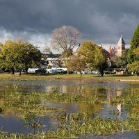 Lake Wendouree basks in brief autumn sunshine, Ballarat, Балларат
