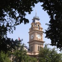 Bendigo Town Hall from the Civic Gardens, Бендиго
