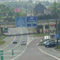 De Rijksweg E25-E411 en de Bewegwijzeringen, Арлон