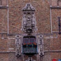 Una fachada que atrae- Torre del Campanario, Брюгге
