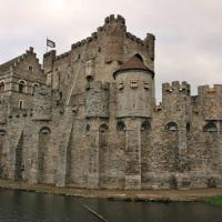 Het Gravensteen in Gent. Count Boudewijn I (837-879) has ordered to build the first defense against the incursions of the establish Normans on this place., Гент