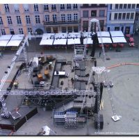 Mons – Grand Place : installations du grand spectacle du Festival de Théâtre de rue, 2010., Монс