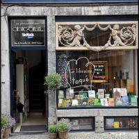 Namur -- Rue du Marché 3 / Toqué le libraire?, Намюр