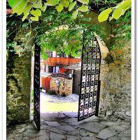 Varosha architectural reserve in Lovech   / Архитектурен резерват Вароша в  град Ловеч, Ловеч