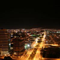 Vista noturna da Av. Olívia Flores, Vitória da Conquista, Bahia, Виториа-да-Конкиста