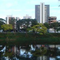 Rio Cachoeira, ao entardecer., Итабуна