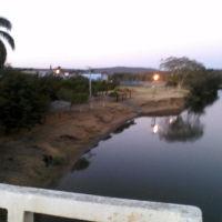 Rio Corrente e ao lado esquerdo, prainha do mesmo rio., Санта-Мария