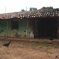 CASA ANTIGA E TÍPICA DO INTERIOR DO NORDESTE BRASILEIRO ESSA EM SÃO DOMINGOS - MA BRASIL, Бакабаль